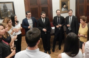 Distribution of certificates for the German language training students