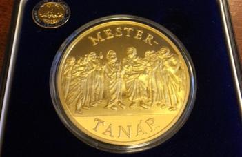 Mestertanár aranyérmet kapott Dr. Menyhárd Attila